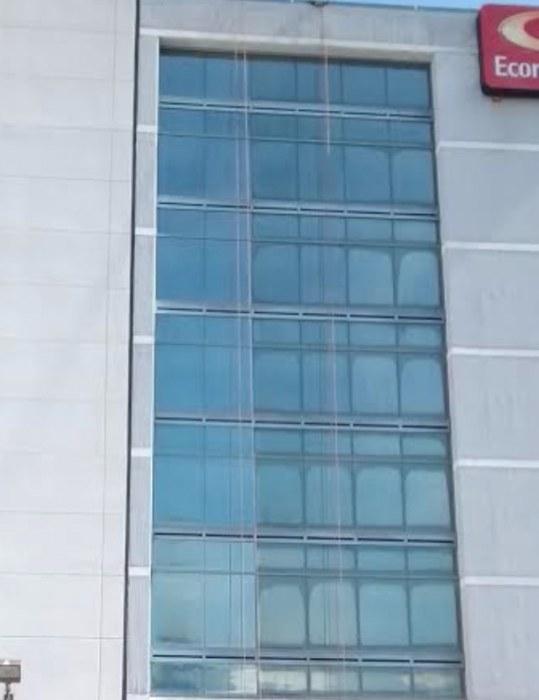 Glass Restoration Econo Lodge Pro Window Inc